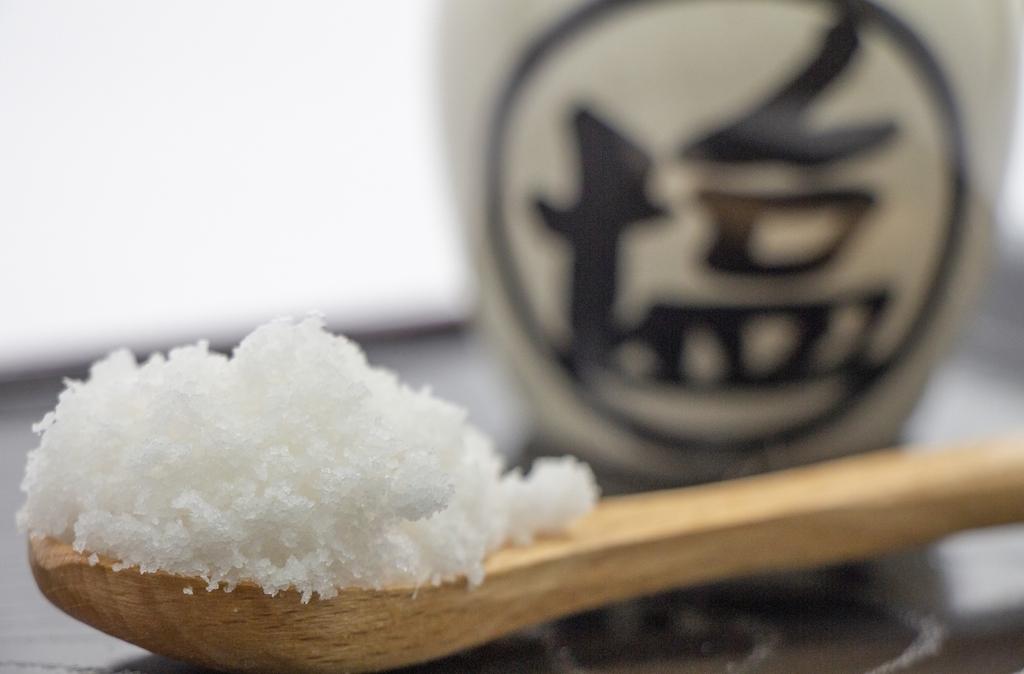 スプーンの上の食塩