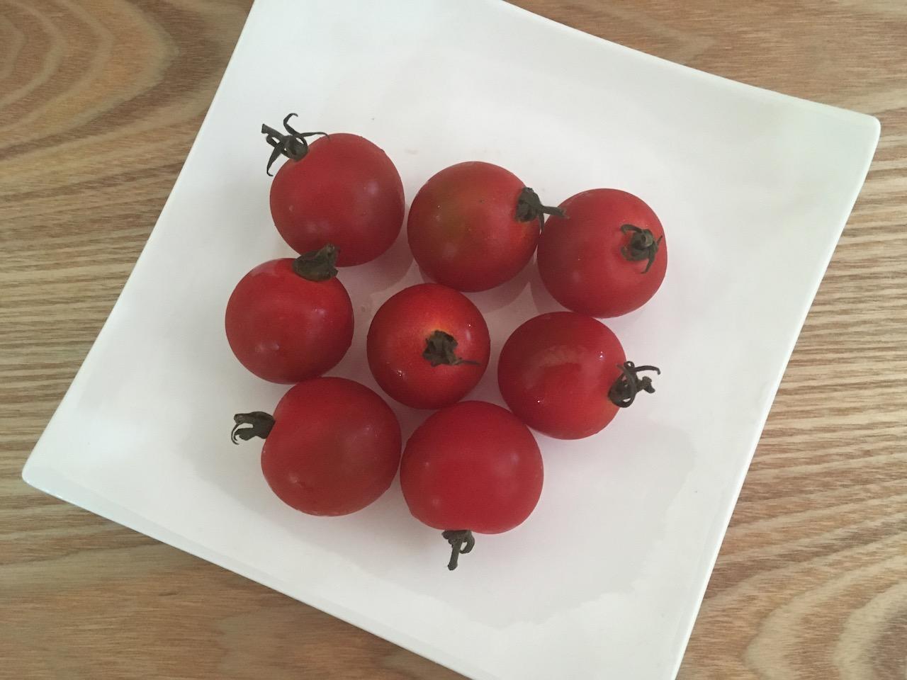 これからぬか漬けにするミニトマト