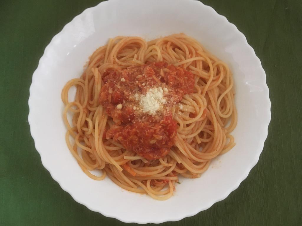 米ぬかを使ったトマトソースとツナのパスタ①