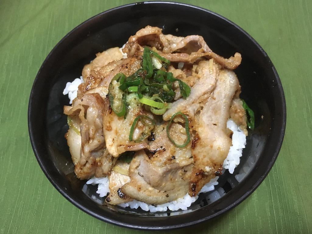 塩麹の豚バラ丼②