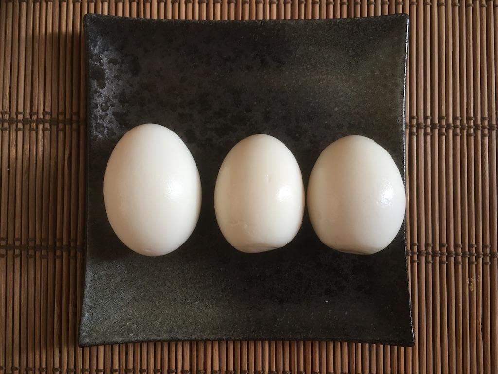 無印のぬか床でつけたゆで卵のぬか漬け×3個①